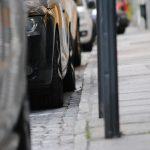 Voiture à l'arrêt : risques et dommages